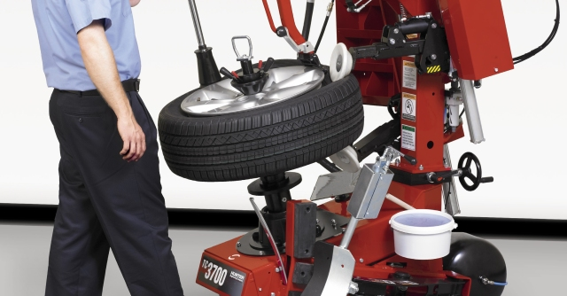 tc370-family-tire-changer-1